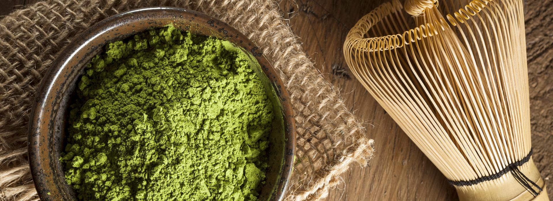 Für die grüne Farbe ist der natürliche Farbstoff Chlorophyll verantwortlich.