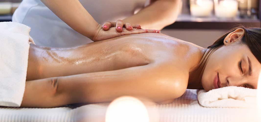 Nichts macht unbewegliche Gelenke und verhärtete Muskeln wieder geschmeidiger als eine Massage.