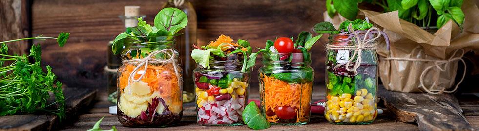Der Schüttel-Salat wird dein neuer Liebling unter den gesunden Büro-Snacks!